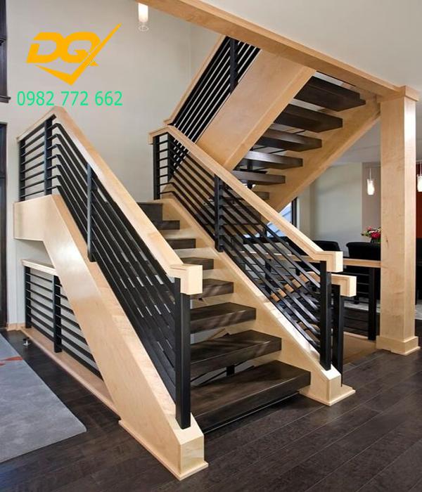 Mẫu cầu thang inox tay vịn gỗ - 5