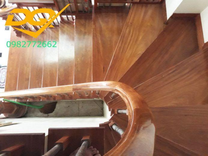 Bậc cầu thang gỗ tự nhiên lim nam phi