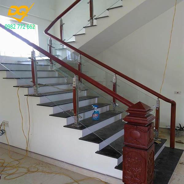 Cầu thang kính hiện đại#14