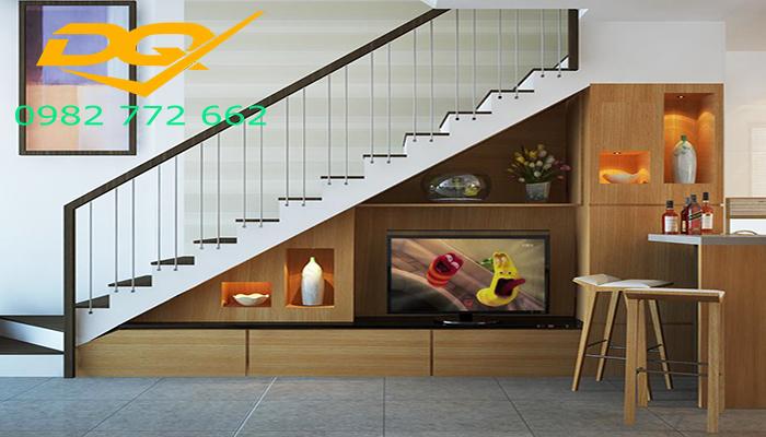 Mẫu cầu thang sắt hộp tay vịn gỗ giá rẻ