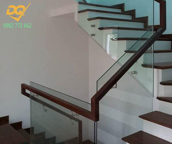 Cầu thang kính hiện đại#11