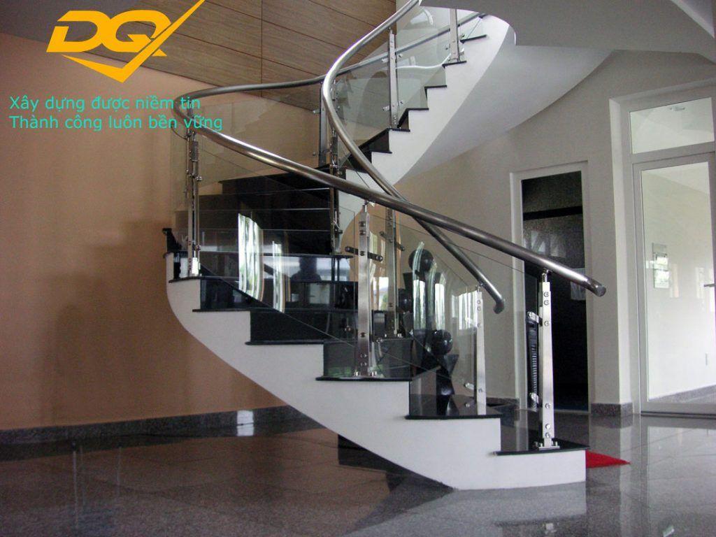 Cầu thang kính hiện đại#2