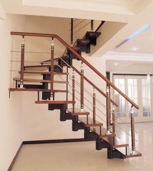 Cầu thang sắt tay vịn gỗ lim nam phi