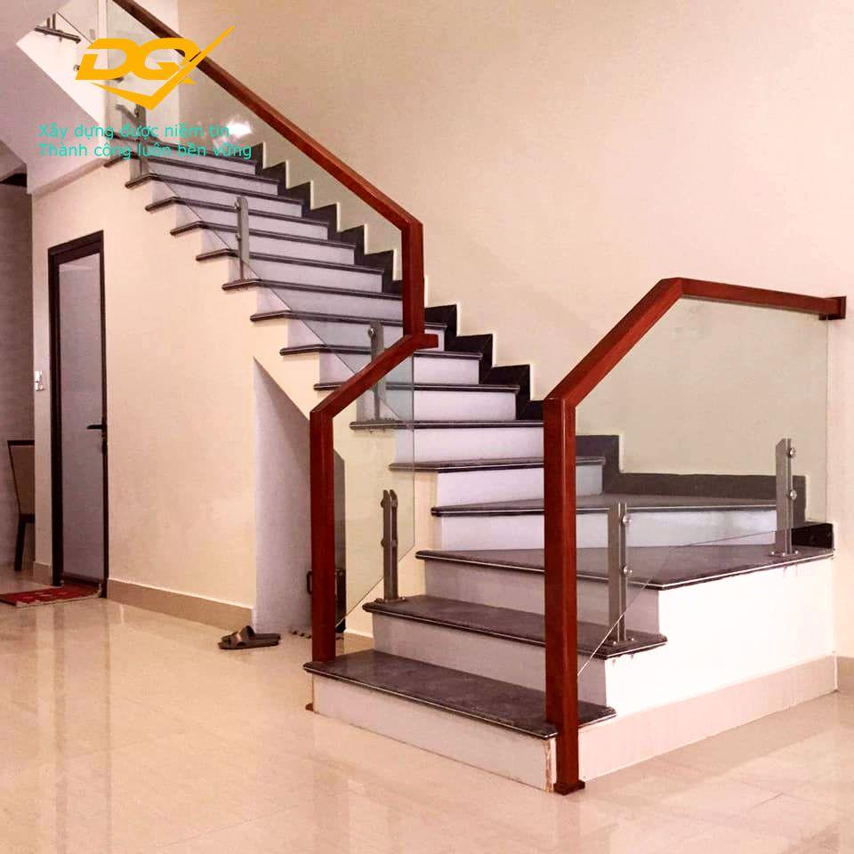 Cầu thang kính hiện đại#6