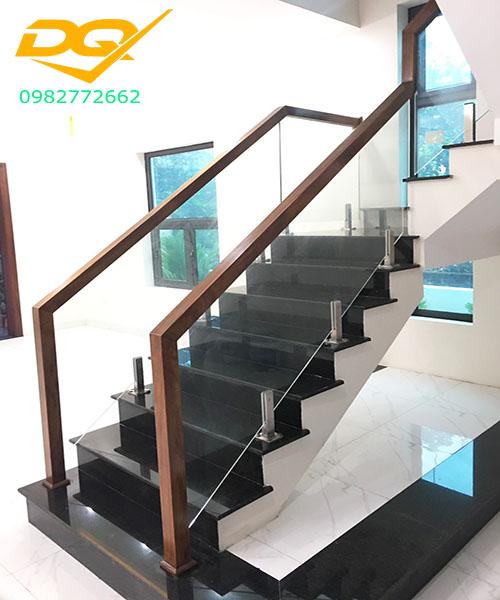Cầu thang kính hiện đại#32
