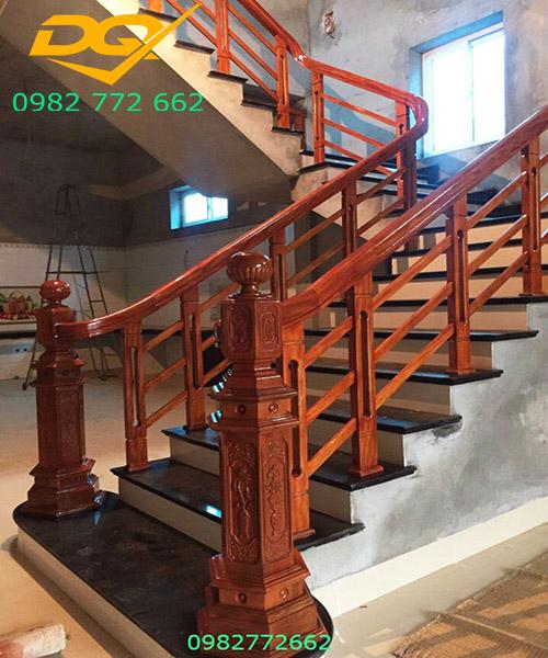 Trụ cầu thang gỗ vuông#6