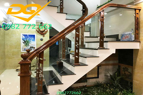 Trụ cầu thang gỗ vuông#7