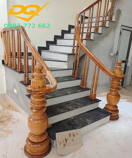 Mẫu Cầu thang gỗ vuông#6
