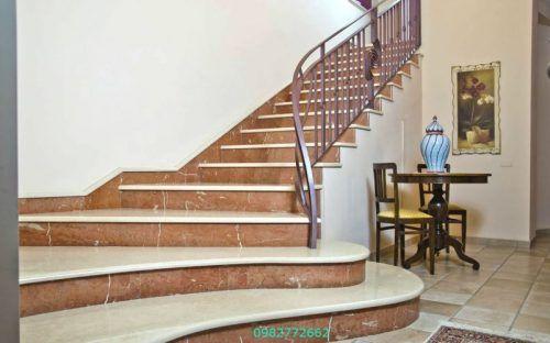 Cầu thang sắt ốp gỗ
