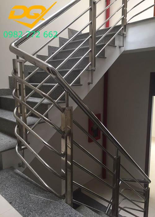 Cầu thang inox#1