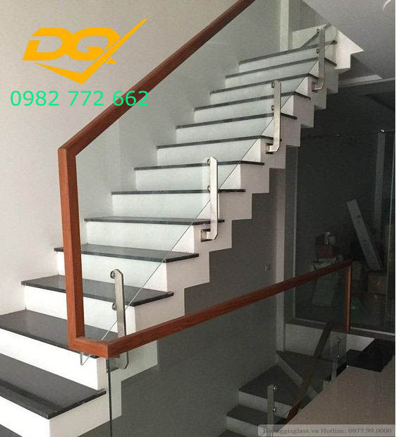 Cầu thang kính_Mẫu 1