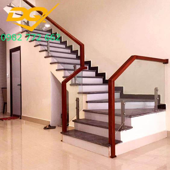 Cầu thang kính_Mẫu 2