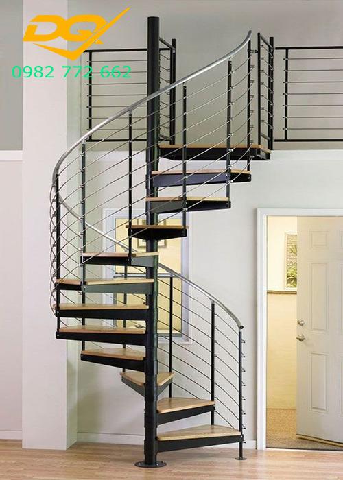 Cầu thang xoắn ốc cho nhà hẹp#3