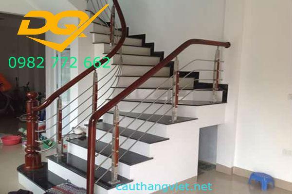 Những mẫu cầu thang inox đơn giản dẹp nhất hiện nay-Mẫu 19