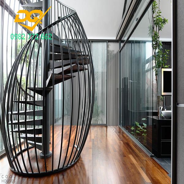Cầu thang xoắn ốc cũ đẹp - Mẫu 15