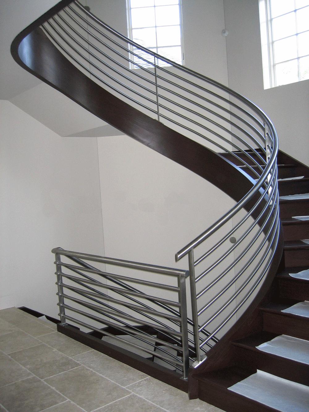 Cầu thang xoắn ốc cũ đẹp - Mẫu 21