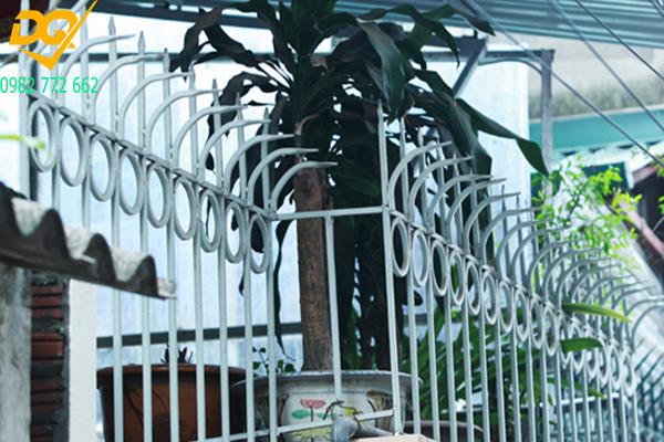 Hàng rào sắt mũi giáo - 2