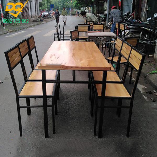 Mẫu bàn ghế chân sắt - 2