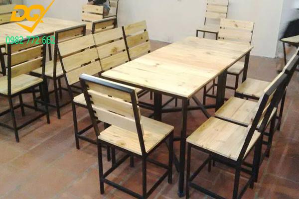 Mẫu bàn ghế chân sắt - 3