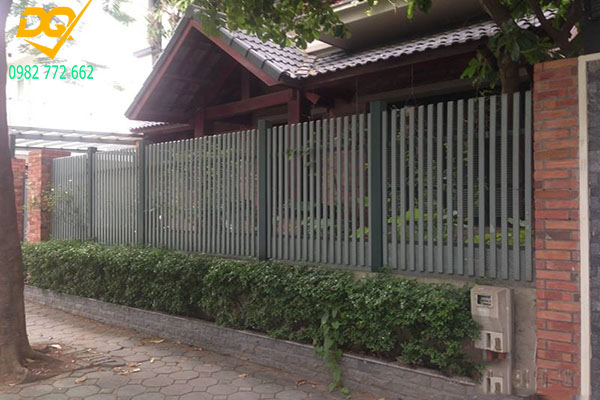 Hàng rào sắt hộp mạ kẽm - 12