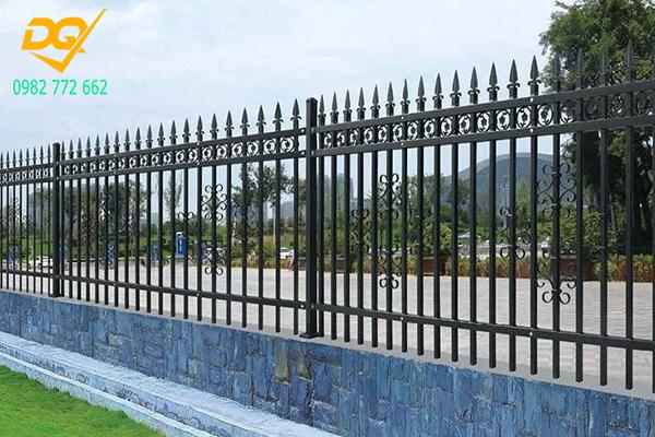 Mẫu hàng rào sắt đặc đẹp - 12