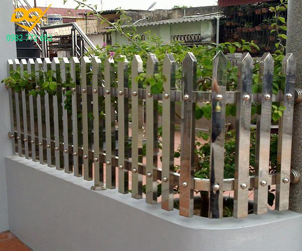 Mẫu hàng rào inox đẹp - 3