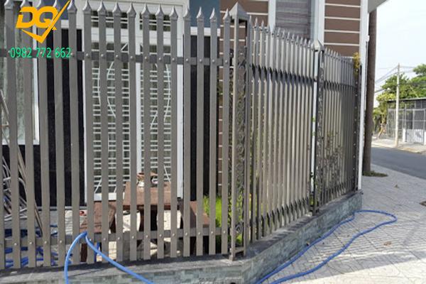 Hàng rào sắt hộp mạ kẽm - 13
