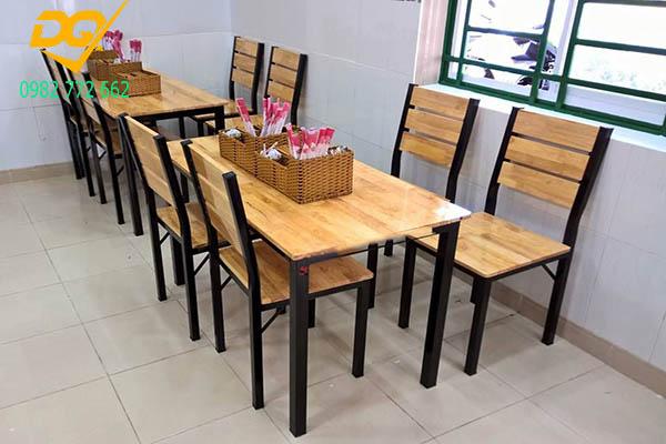 Mẫu bàn ghế chân sắt - 9