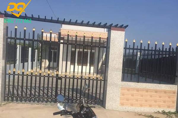 Mẫu hàng rào sắt chống trộm - 23