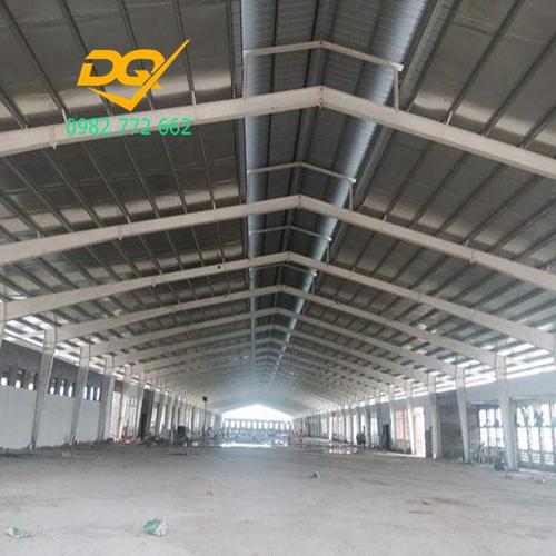 Kết cấu dựng xưởng được làm bằng khung thép