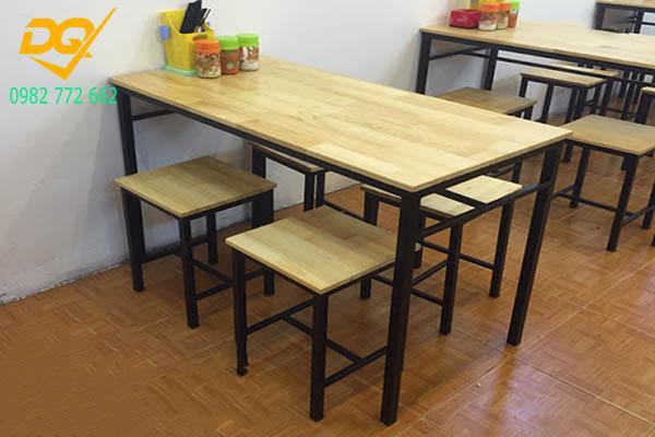 Mẫu bàn ghế chân sắt - 12