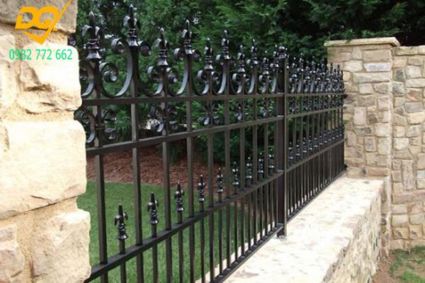 Hàng rào sắt mũi giáo - 11