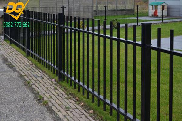 Mẫu hàng rào sắt đặc đẹp - 9