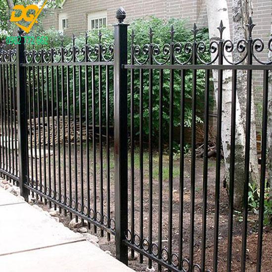 Mẫu hàng rào sắt đặc đẹp - 2
