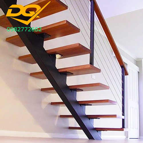 Ưu nhược điểm của cầu thang xương cá bằng gỗ
